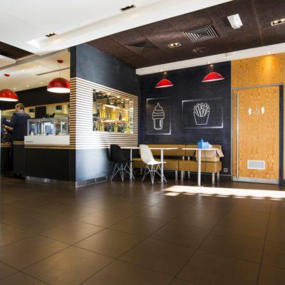 Décoration intérieure, aménagement d'espace professionnel, design d'espace, mac donald's